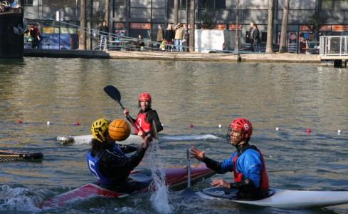 Combien de «C'est quoi comme sport ? du water-polo ?» ou bien «C'est récent comme sport ?» a-t-on entendu lors de cette journée… Faut dire...